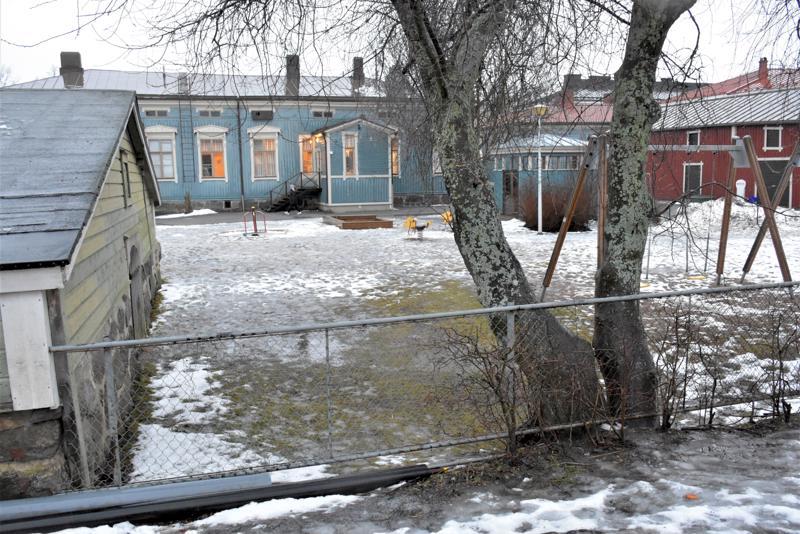 Etelänummen koulun naapurina olevasta Viktorian päiväkodista tulisi suomenkielisten lasten esikoulu, mikäli yhtenäiskoulun mallia  lähdetään toteuttamaan.