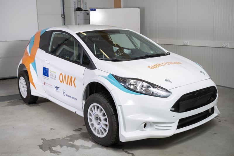 Nelivetoisen testiauton runko koostuu erikoislujista teräslevykennorakenteista.