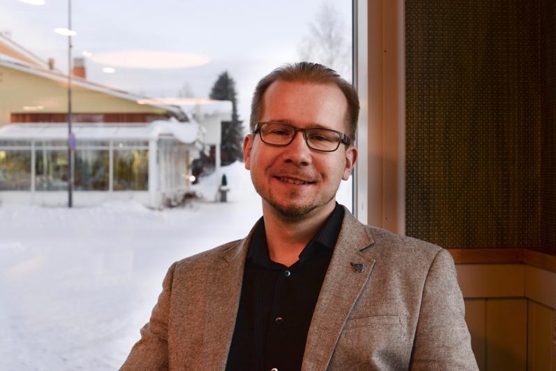Henrik Kiviniemi haluaa Nihakin lisäävän tiedottamistaan ja jalkautumistaan ihmisten pariin.  –Niille, jotka eivät käytä Nihakin palveluja, seutukunnan työ on edelleen varsin tuntematonta, eikä sen olemassaololle nähdä tarkoitusta.