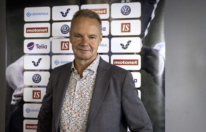 Tunnettu jalkapallopersoona Juha Malinen saapuu vierailulle Ylivieskaan.