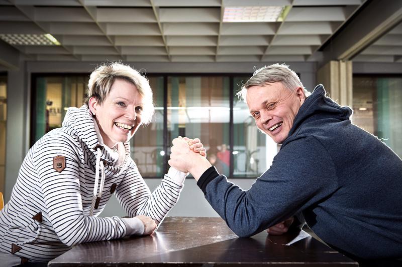 Nina Hietanen ja Heikki Vainiotalon ystävyyteen kuuluu opettamista, liikuntaa ja puhumista. He ovat myös perheystäviä.