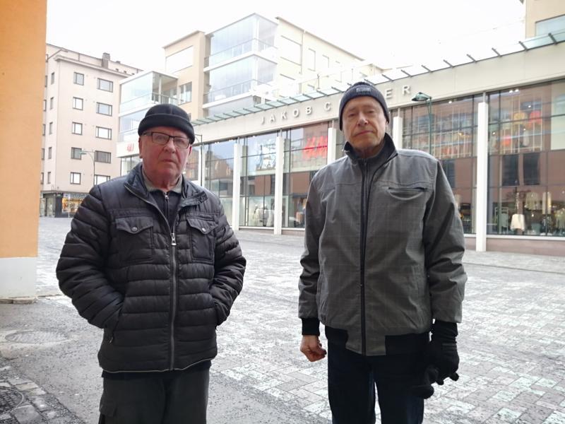 Leif Emas ja Stefan Söderman löysivät ystävänpäin tiimoilta aihetta leukailullekin.