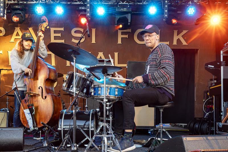 OK:KO esiintyi Haapavesi Folkeilla viime kesänä. Yhtye on Okko Saastamoisen kokoama kollektiivi, jossa soittaa nuoren sukupolven arvostetuimpia jazzmuusikoita.
