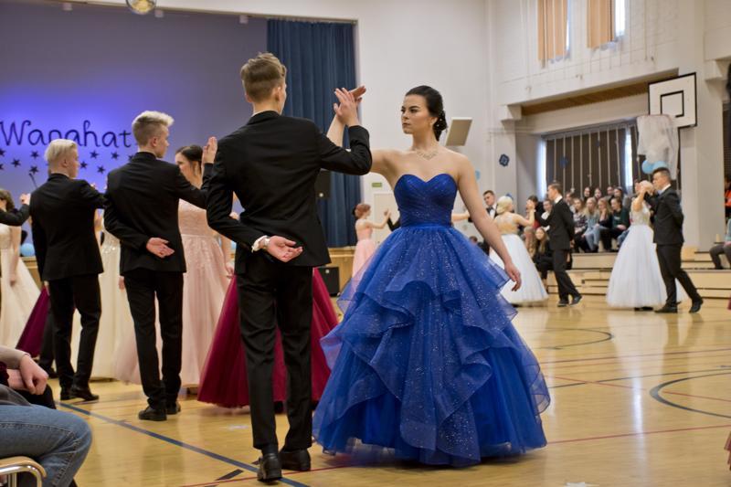 Nivalan vanhat olivat hionneet tanssiaskeliaan monta kuukautta.