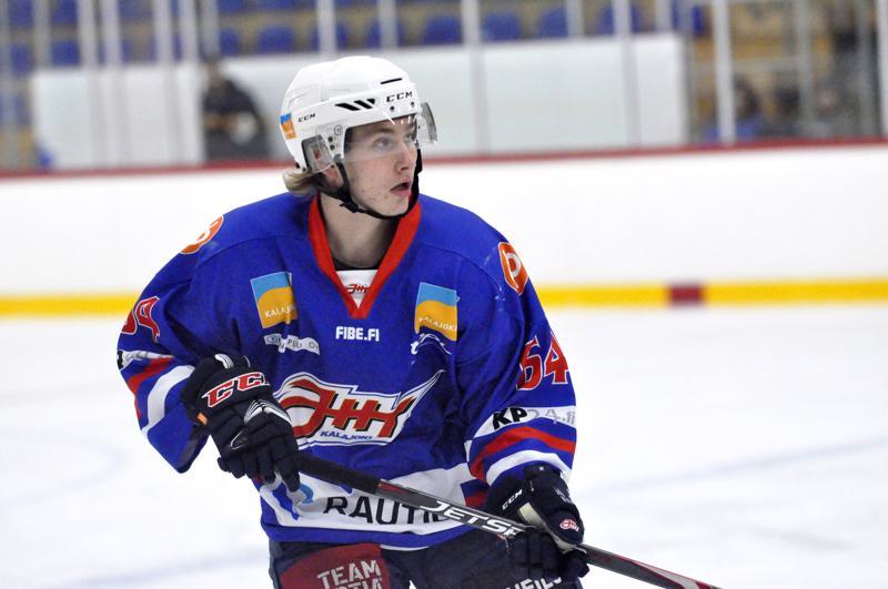 Eetu Tervala nappasi kaksi syöttöpistettä, kun JHT voitti HC Giantsin.