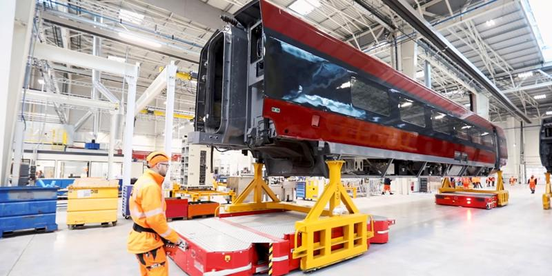 Ranskan rautatieyhtiön uusi verstas on teknisesti viimeistä huutoa,  ja osansa siinä on Solvingin kehittämällä ja kokoamalla kuljetusjärjestelmällä.