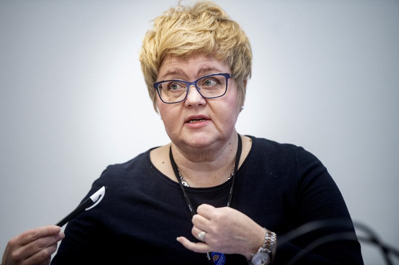 –Kokkolan pääterveysaseman vastaanoton uuden toimintamallin kanssa olemme oikealla tiellä. Tulevaisuudessa puolet hoidoista voisi käynnistyä jo puhelimitse, haaveilee Minna Korkiakoski-Västi.