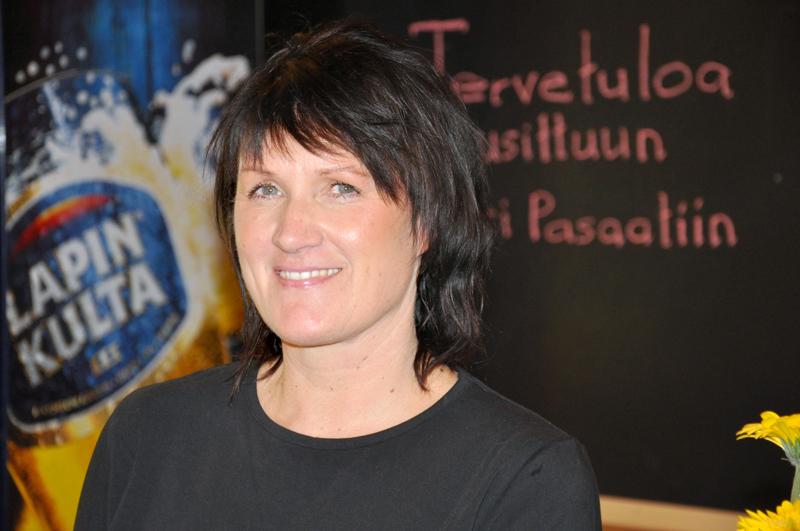 Pitkän linjan yrittäjä Minna Klemolan mukaan Meri Pasaati palvelee asiakkaita vielä toukokuun loppuun asti.