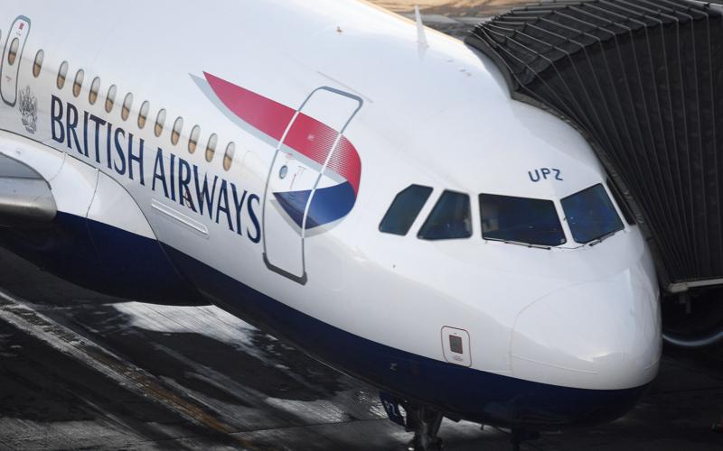 British Airwaysin Airbus joutui palaamaan takaisin lähtöportille Lontoossa, kun yksi matkustajista ei halunnut matkustaa Milanoon koronaviruspelon vuoksi.