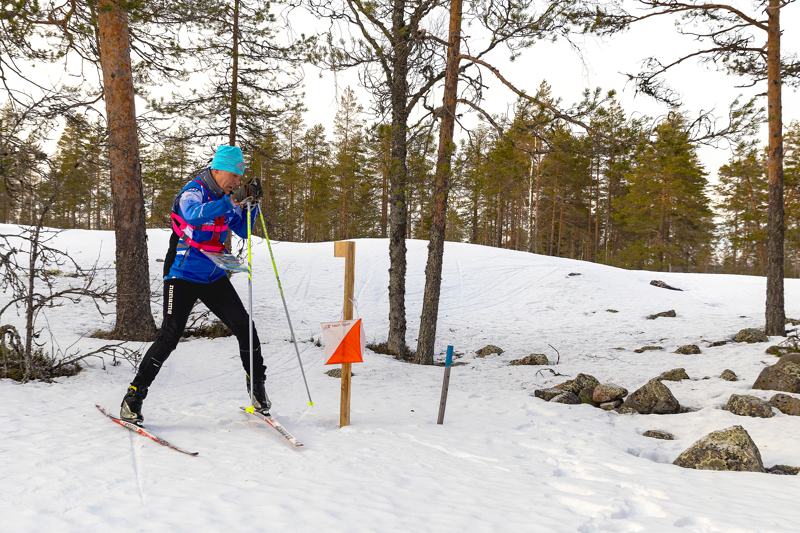 Haapavesi on ensi viikonloppuna hiihtosuunnistuksen SM-kisojen näyttämönä. Haapaveden Urheilijoiden suunnistusjaostoa johtava Raimo Jussila testasi suorituspaikkoja viime torstaina.