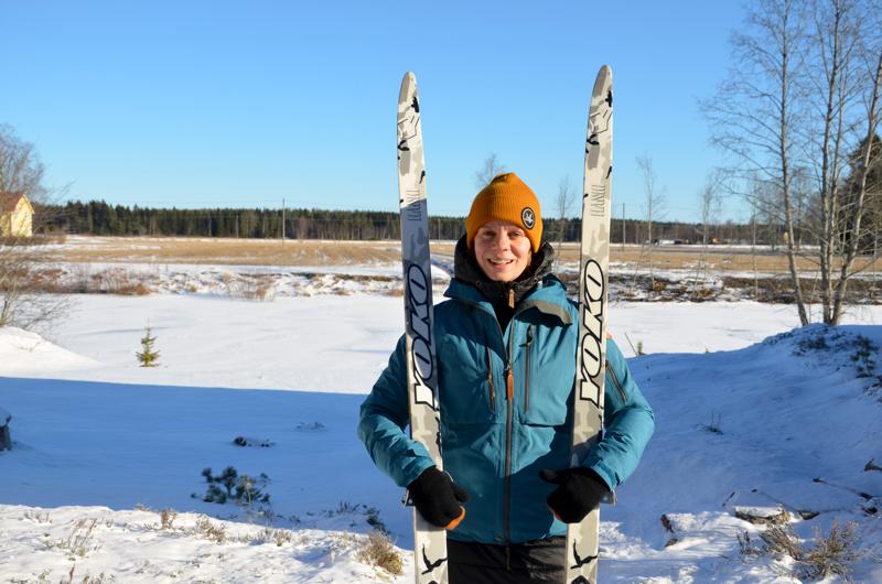 Kannuslainen Reetta Tokola käy vuosittain pidemmillä vaelluksilla. Eniten hän pitää talvivaelluksista, jolloin matka taittuu metsäsuksilla.