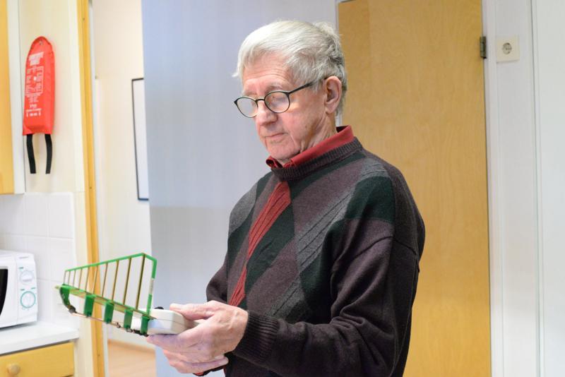 Lauri Sarja peräänkuuluttaa asianmukaisia tutkimuksia niin tuulivoiman kuin langattoman teknologiankin osalta.