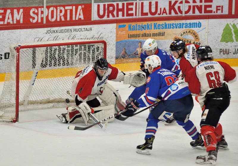 Juho Takkula vei JHT:n voittoon lauantaina jatkoaikamaalilla.