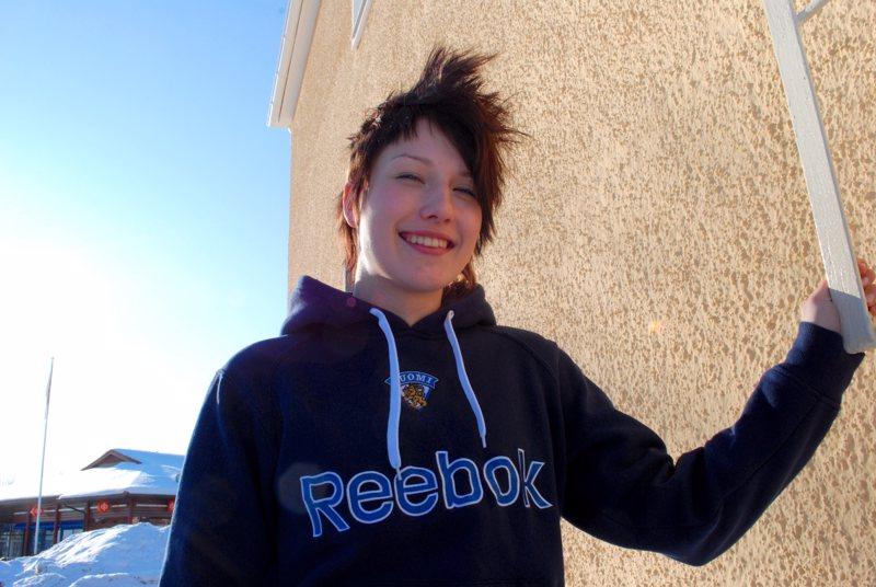 Katariina Laitila oli lähdössä alle 18-vuotiaiden naisten jääkiekkomaajoukkueen kanssa Chicagoon MM-kisoihin.
