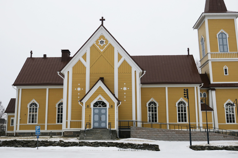 Jumalanpalvelukset jatkuvat mutta ilman kirkkokansaa.
