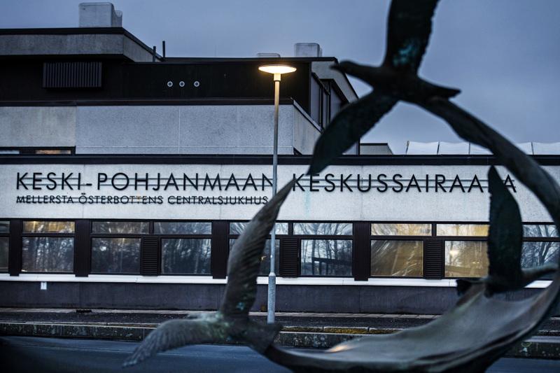 Keski-Pohjanmaan keskussairaalan pääovi suljetaan viikonlopuksi.