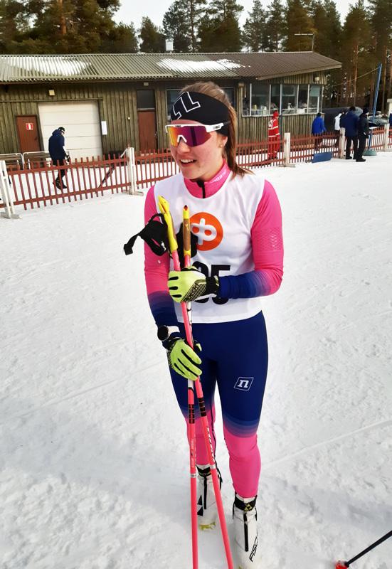 Tuuli Järviluoma on ollut mainiossa kevätvireessä. Hän voitti piirinmestaruuden kahtena viikonloppuna peräkkäin. Kuva Kaustiselta toissaviikonlopulta, jolloin Järviluoma vei nimiinsä viiden kilometrin kilpailun.