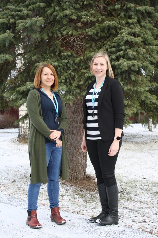 Vihdoinkin!-hankkeen työntekijöinä toimivat Jenni Tuliniemi ja Sanna-Mari Parri.