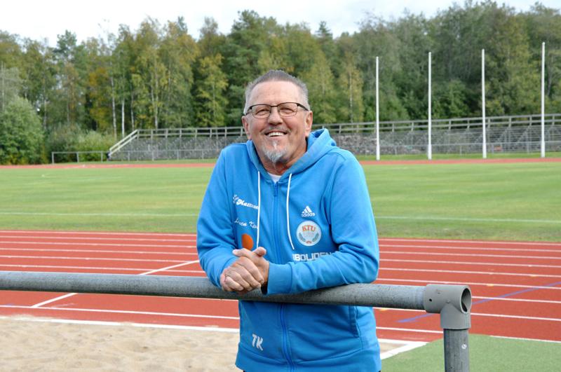 Soveltamaan joutuu, sanoo valmentaja Timo Kultalahti päivän tilanteesta.