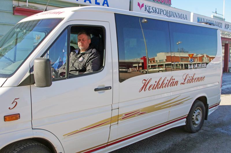 Markku Heikkilä on järjestellyt Kyläkyytiä kaupungin kanssa uusiin oloihin.