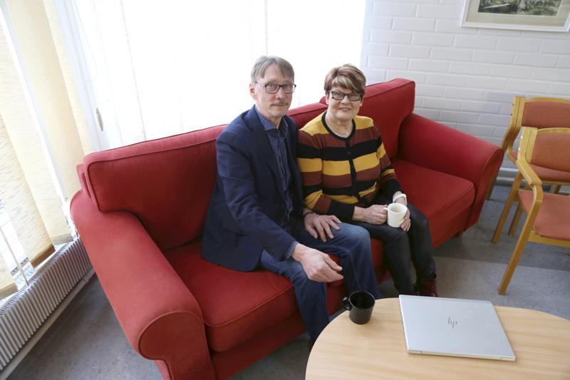 Yritysneuvojat siirtyvät eläkkeelle. Mikko Hänninen ja Sari Torppa ovat työvuosien aikana iloinneet menestystarinoista, joissa alueen yrittäjät ovat olleet osallisia.