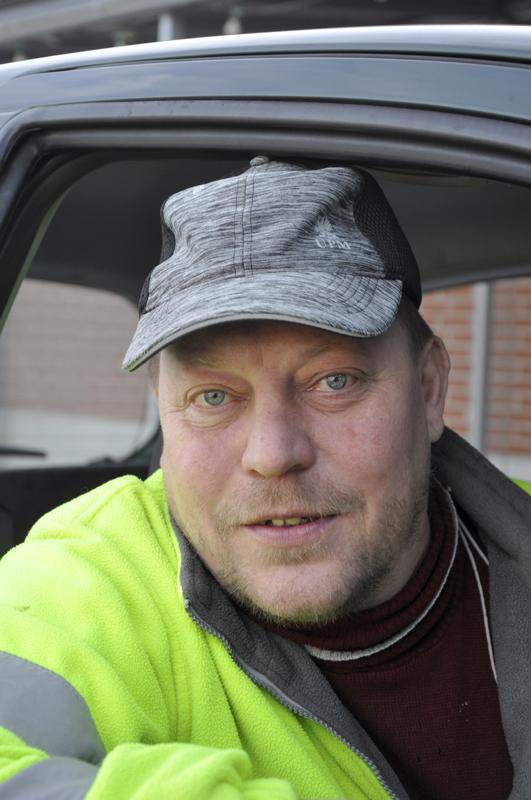 Janne Kemell, Toholampi- Joutsenia olen nähnyt ja mustarastaan. Talitiainen tekee pönttöön pesää.