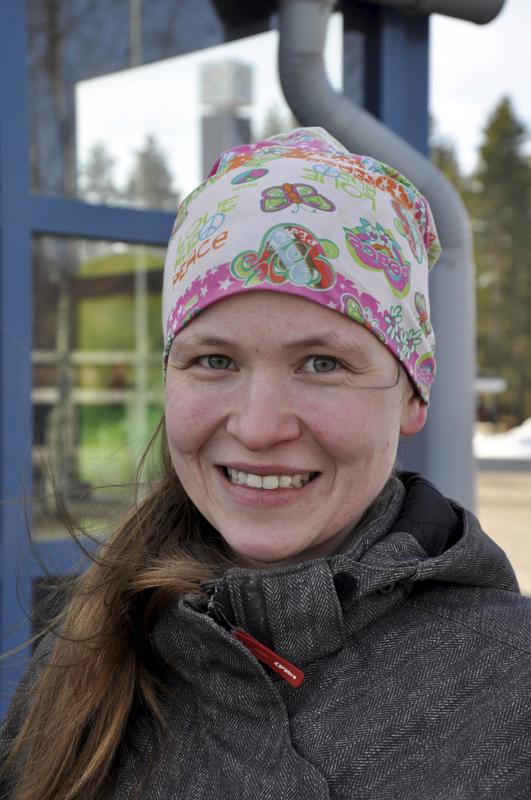 Kirsi Kirvesmäki, Laukaa- Kyllä, joutsenia olen ainakin nähnyt.