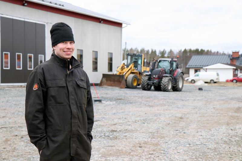 Torstain nimipäiväsankareihin kuuluva Manu Huntus halusi pikkupoikana maanviljelijäksi ja sellainen hänestä on myös tullut.