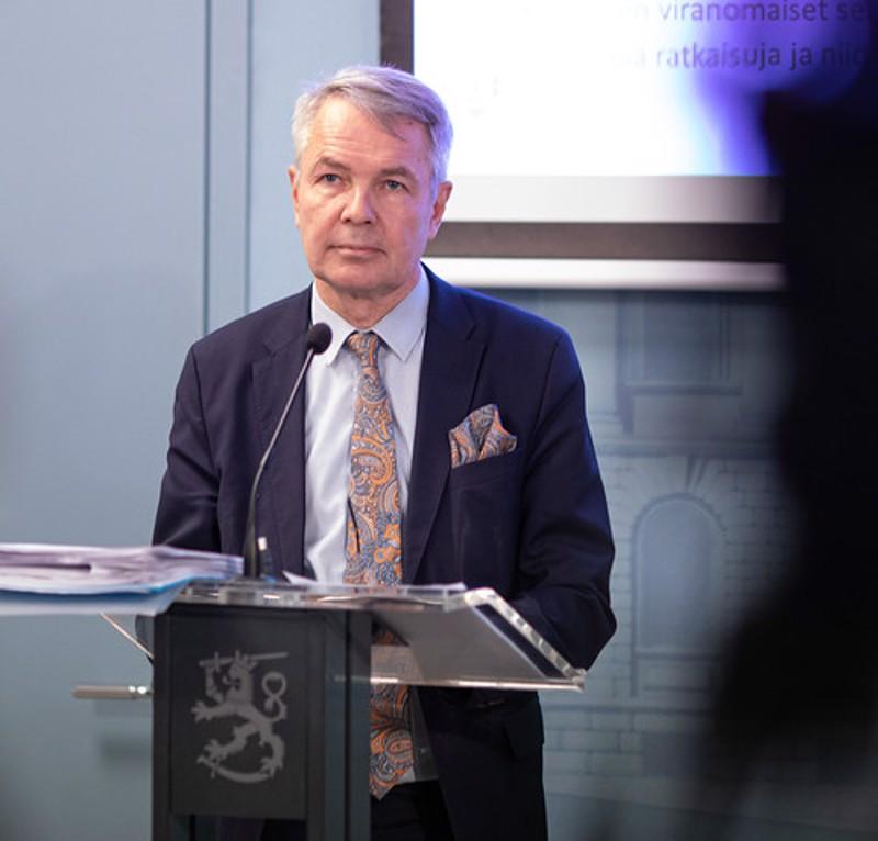 Ulkoministeri Pekka Haavisto hallituksen tiedotustilaisuudessa.