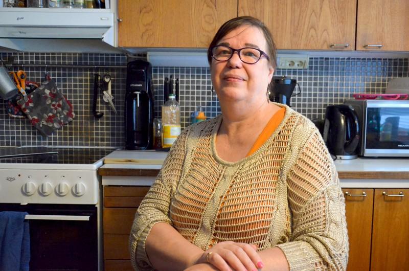 Jokilaaksojen A-Killan puheenjohtajana toimii Arja Eskola. Hän on huolissaan koronavirustilanteessa siitä, kun päihdeongelmaisten perheissä lapset ovat nyt koulusta kotona.