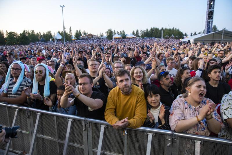 Pori Jazz -yleisö haltioitui Toton show'sta vuonna 2019.