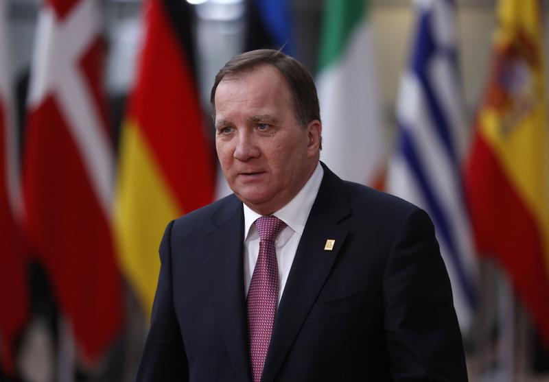 Ruotsin pääministeri Stefan Löfven ilmoitti perjantaina sunnuntaina voimaan tulevasta kokoontumisrajoituksesta.
