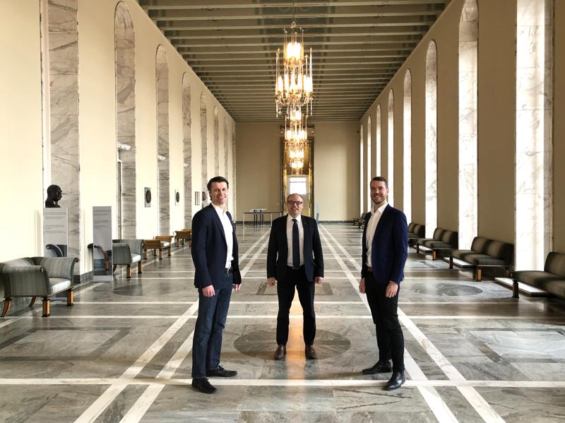 Pasi Kivisaaren, Mikko Kinnusen ja Jouni Ovaskan ensimmäinen edustajalive-lähetys tehdään keskiviikkona 1.4.2020