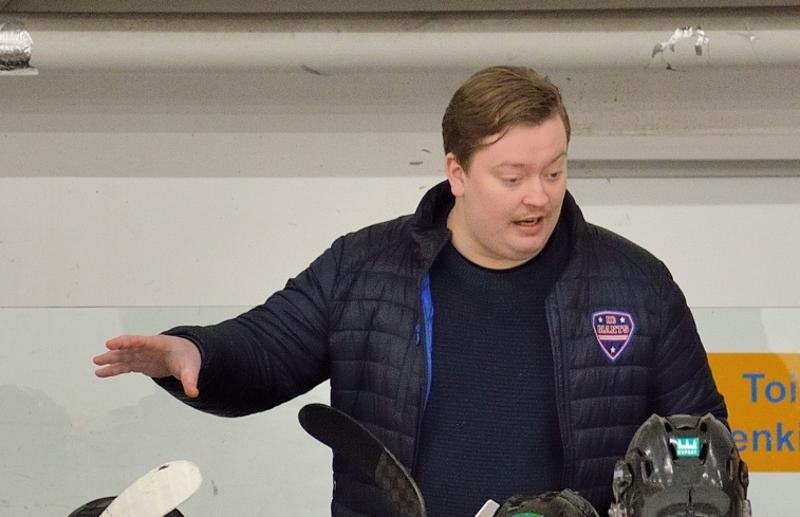Jesper Jalonen on JHT:n uusi päävalmentaja.