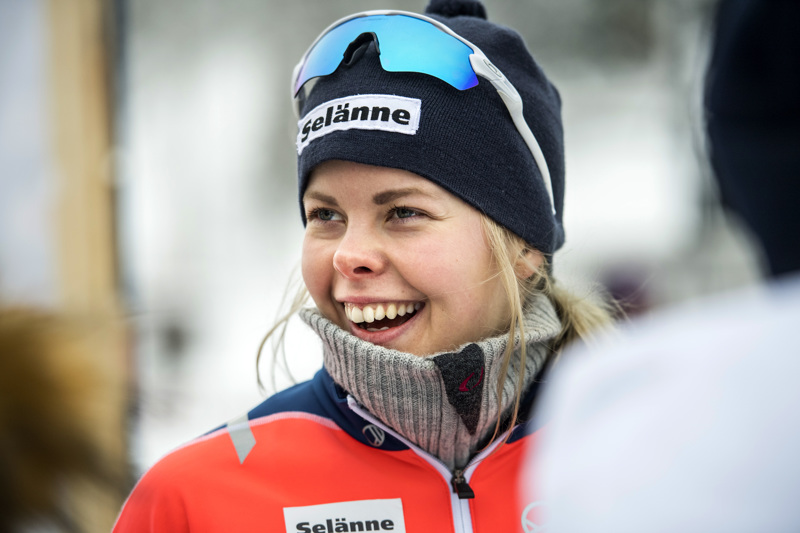Hiihtäjä Anni Alakoski on kamppailut viimeiset pari viikkoa koronavirusta vastaan. Maanantaina Alakosken vointi oli menossa parempaan suuntaan.