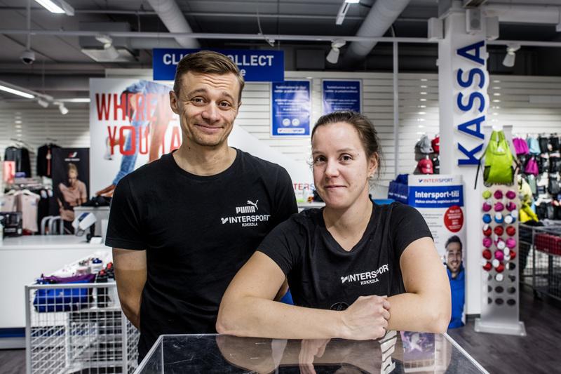 Terhi ja Tommi Martikainen ovat juuri aloittaneet Intersport Kokkolan kauppiaina. Yrittäjillä jää aikaa myös kilpaurheilulle.