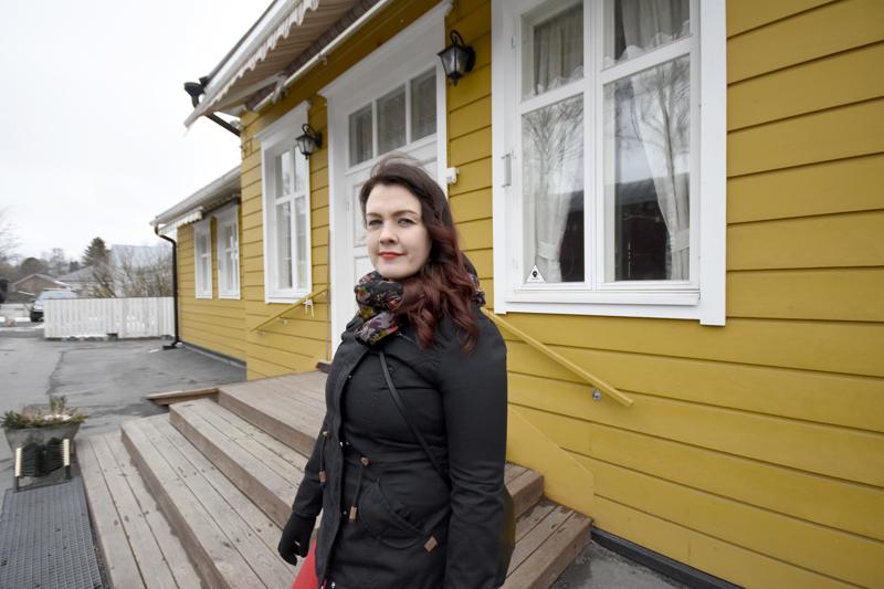 Hanni Rätön hääjuhlia piti viettää toukokuun alussa Snellman-kodilla, mutta toisin kävi. Koronaviruspandemia laittoi suunnitelmat uusiksi.