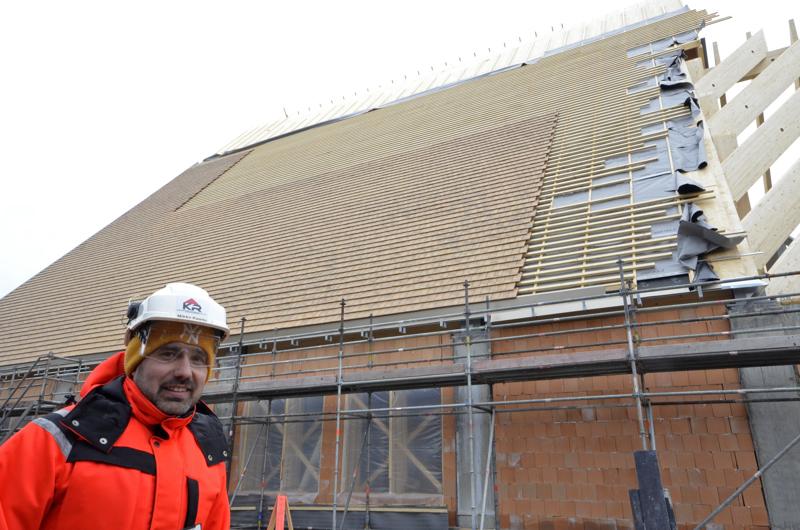 - Työmaalla päättyvän talven säät ovat olleet puolellaan, Mikko Kaarto myhäilee, sillä kirkkorakennus on edennyt aikataulussaan. Myöskään koronapandemia ei vielä ole vaikuttanut rakennusalaan.