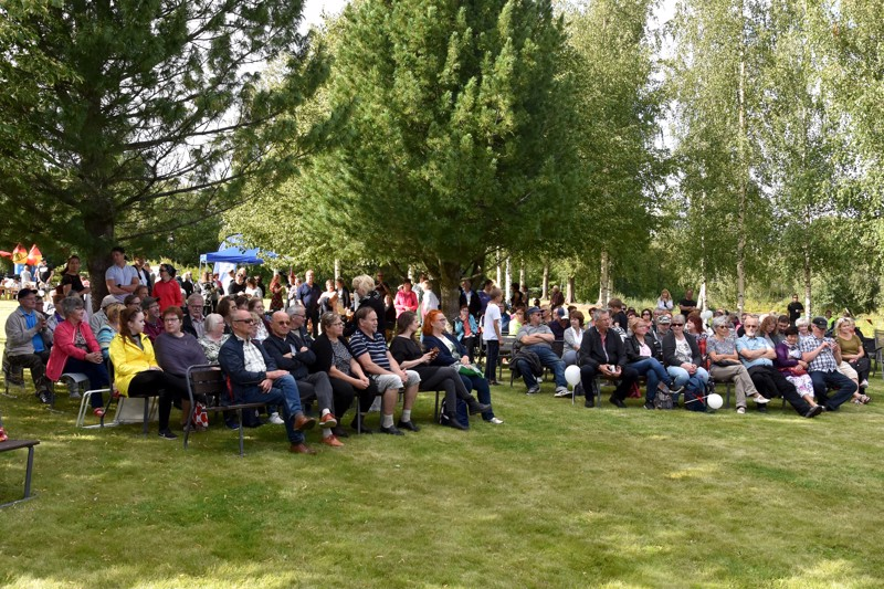 Rahallista tukea rahastosta. Muun muassa Pappilan puistoblues -työryhmä sai avustusta ulkoilmatapahtuman järjestämiseen.