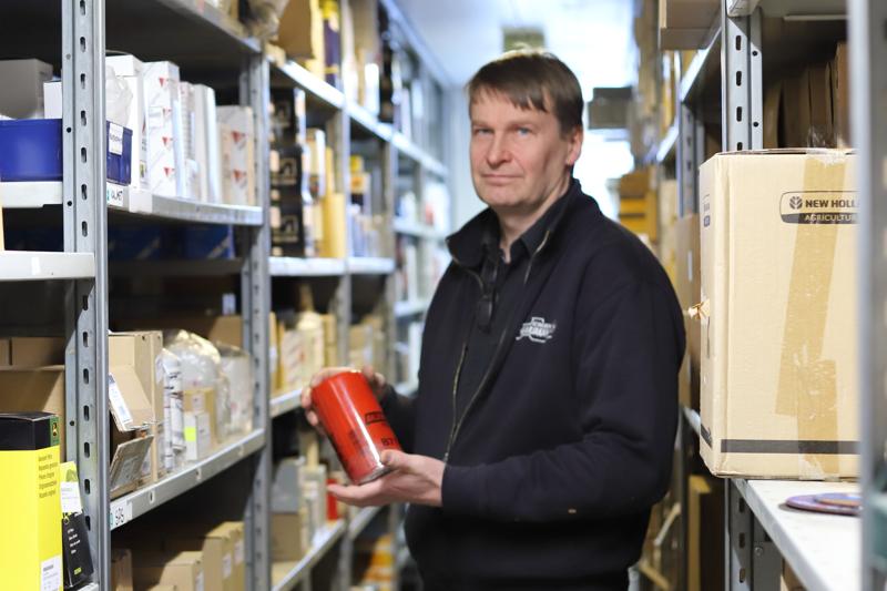 Konekorjaamo Marjakankaan toimitusjohtaja Juha Marjakangas sanoo, että hyvin toimiva verkkokauppa auttaa sekä asiakasta että yritystä näkemään varaston tilanteen.