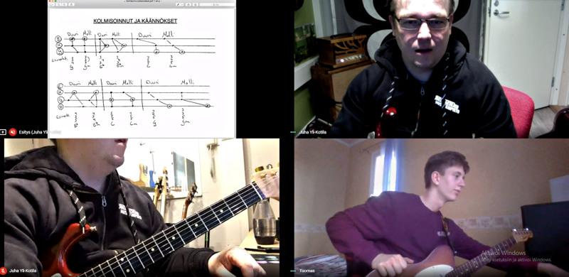 Maanantai-iltana kitaransoiton opettaja Juha Yli-Kotila ja oppilas Tuomas Seitajärvi pitivät kitaratunnin Google Hangouts Meet -palvelussa.