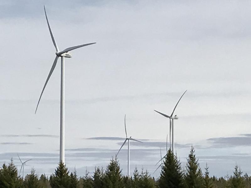Laajan suomalaistutkimuksen mukaan ihmiset eivät pysty havaitsemaan tuulivoimaloiden tuottamaa infraääntä.