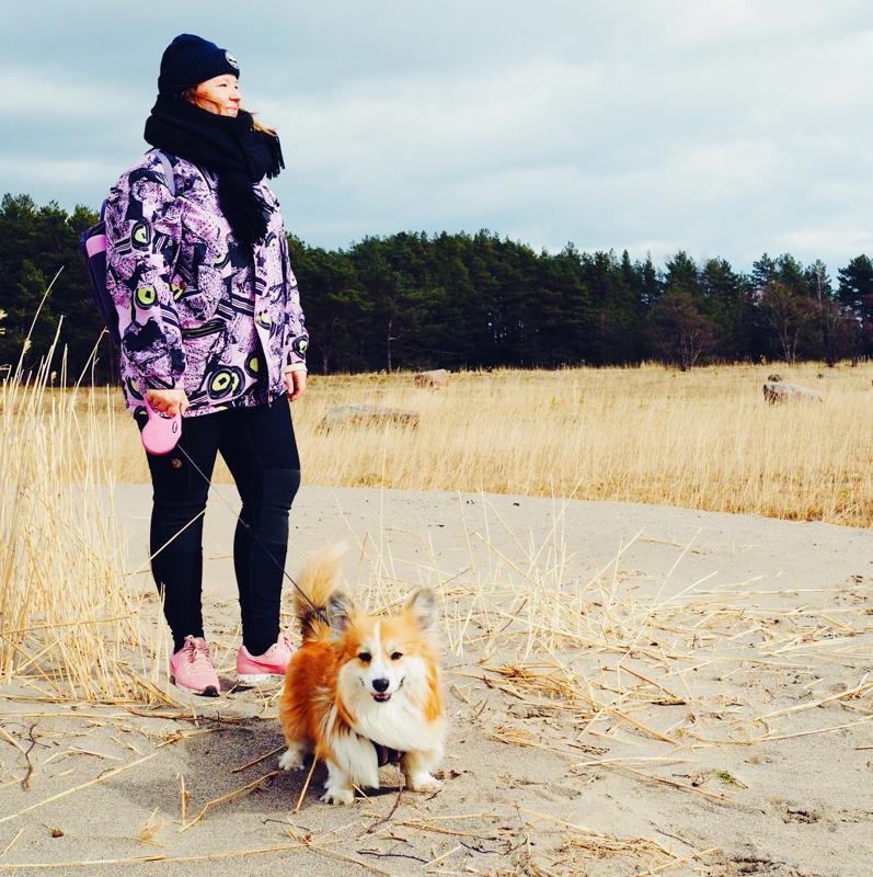 Turkulainen matkabloggari Arja Virta aikoo matkustella yhä enemmän Suomen lähimaissa, jotka ovat täynnä Liettuan Kuurinkynkään dyynien tapaisia upeita paikkoja.