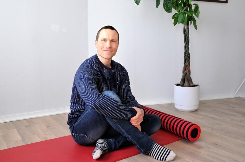 Tero Kattilakoski toimii vuokralaisena Mannerheiminaukion laidalla Syvyys Yoga & Wellness -salilla.