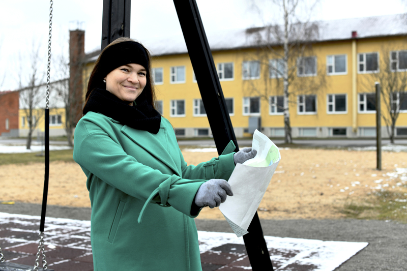 Vihersuunnittelija Nina Mamia kertoo, että Lohtajan koulun pihaa on suunniteltu tiiviissä yhteistyössä koulun kanssa.