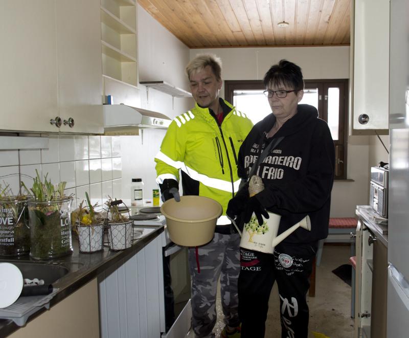 Make ja Katri Seppälän omaisuus kärsi niin pahat savuvauriot tulipalossa, ettei asunnosta voinut ottaa juuri mitään mukaan.