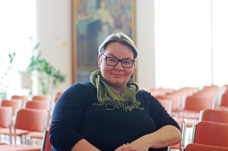Kirkkoherra Sanna Jukkola suhtautuu levollisesti tulevaan ja melko tyytyväisesti menneeseen.