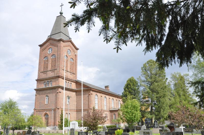 Kalajoen seurakunnan diakoniatyö sai Oulun poliisilaitokselta luvan rahalliseen keräykseen. Rahalla ostetaan esimerkiksi elintarvikkeita apua tarvitseville kalajokisille.