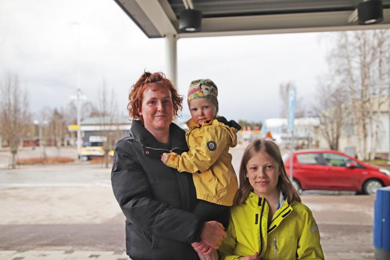 SARA RANTALA: Kotona vietellään vapaapäivää lasten kanssa.