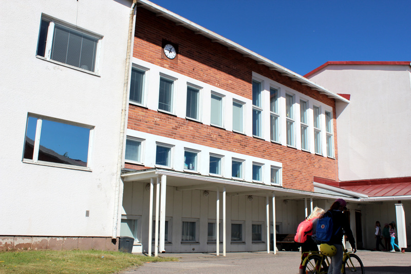 Kaupunginjohtaja esitti, ettei Pohjankylän koulun vanhaa osaa pureta tässä vaiheessa, mutta enemmistö kaupunginhallituksen jäsenistä oli toista mieltä.